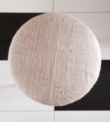 stołek nowa tapicerka 1