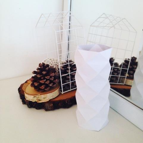 dekoracja komody papierowy wazon 3