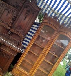 jarmark staroci w Bytomiu szafy
