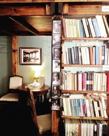 kawiarnia kornel i przyjaciele atykwariat księgarnia11