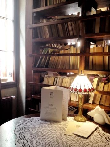 kawiarnia kornel i przyjaciele atykwariat księgarnia18