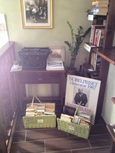 kawiarnia kornel i przyjaciele atykwariat księgarnia3