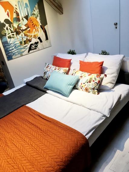 sypialnia-po-home-stagingu-1