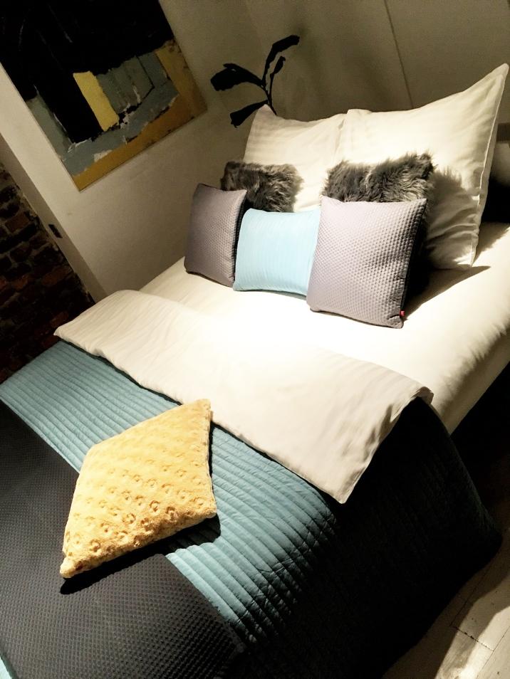Home stagingowane łóżko :)