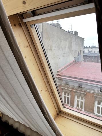 Widok z okien na katowickie dachy.