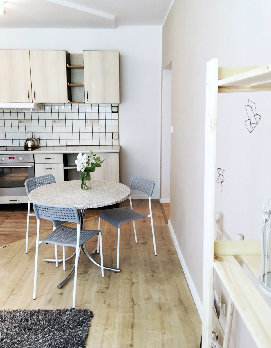 Projekt mieszkanie na wynajem - jak niedrogo wyremontować i urządzić salon?